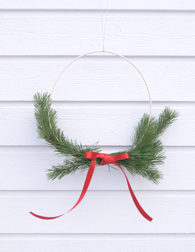 Mini Piccolini | Minimalist Modern Scandinavian Christmas Wreath